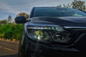 Mahindra Alturas G4 headlamp