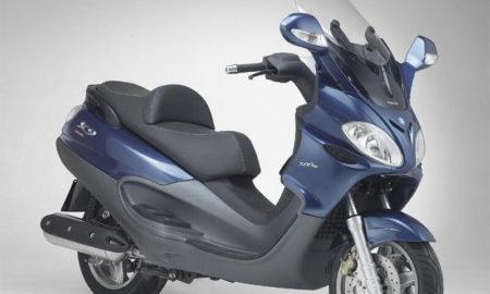 Aprilia 160 Maxi Scooter (1)