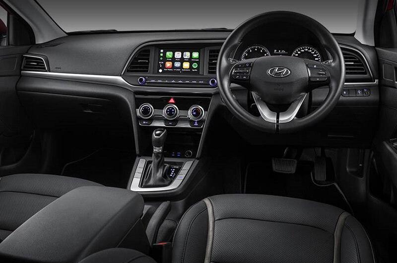 Hyundai Elantra facelift India Interior