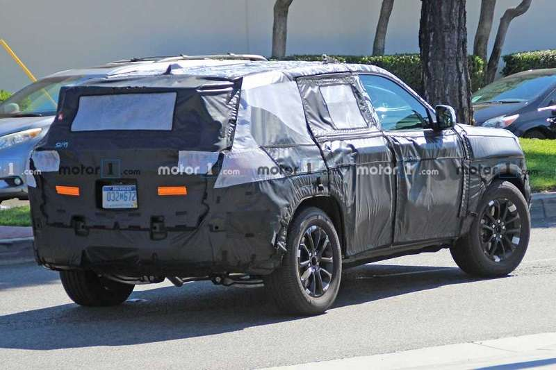 2021 Jeep Grand Cherokee spied 1