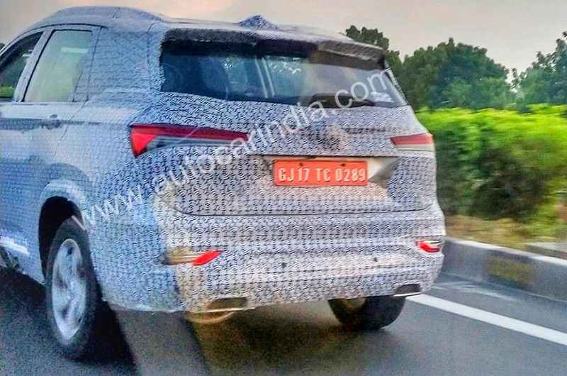 MG Hector 6-seat Spied rear