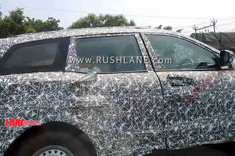 2020 Mahindra XUV500 Interior spied