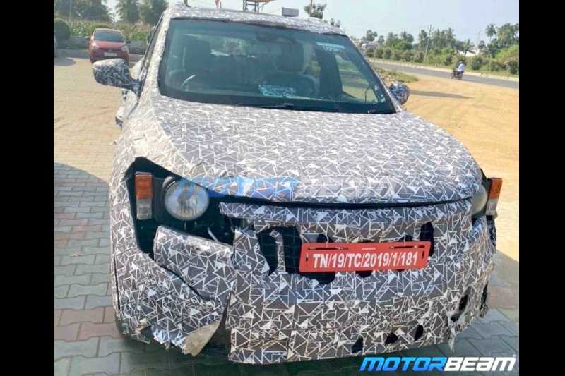 2020 Mahindra XUV500 front spied