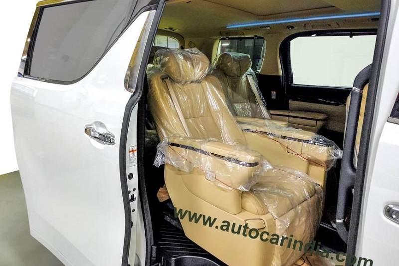 Toyota Vellfire Seats