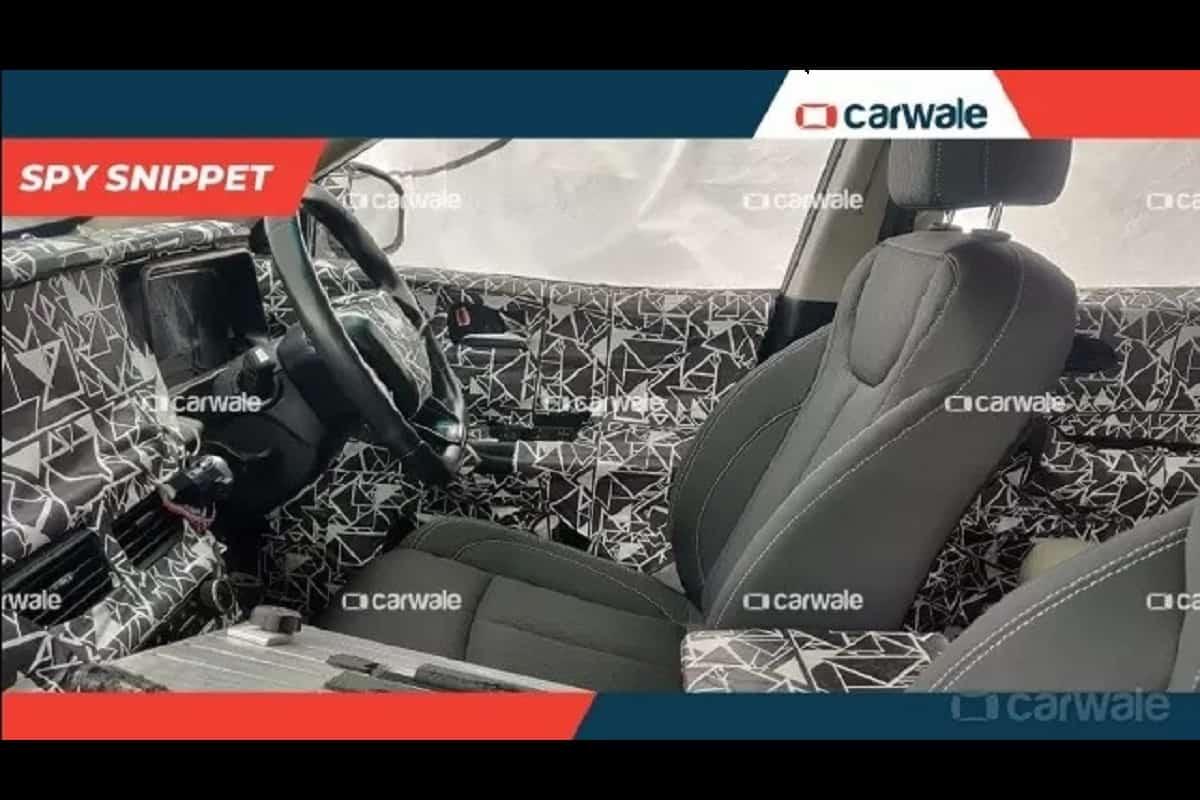 2020 Mahindra XUV500 steering
