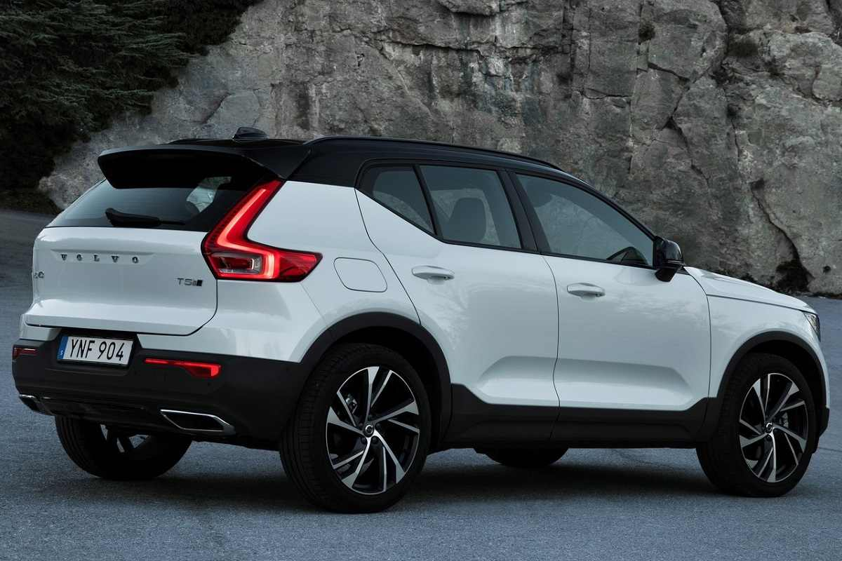Volvo XC40 T4 R-Design Petrol Variant Launched at Rs 39.9 Lakh