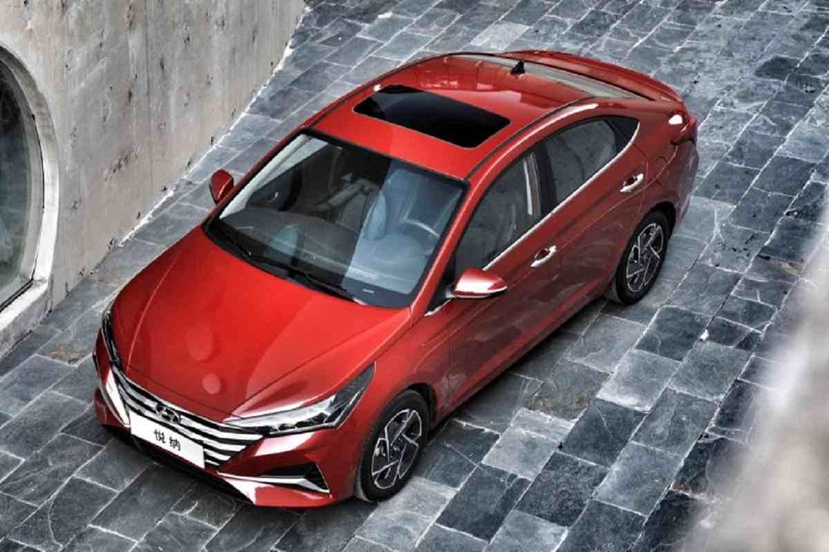Hyundai Verna facelift Red