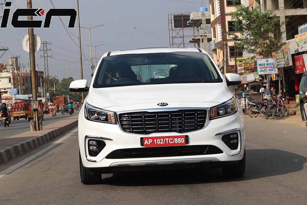 Kia Carnival Front Review