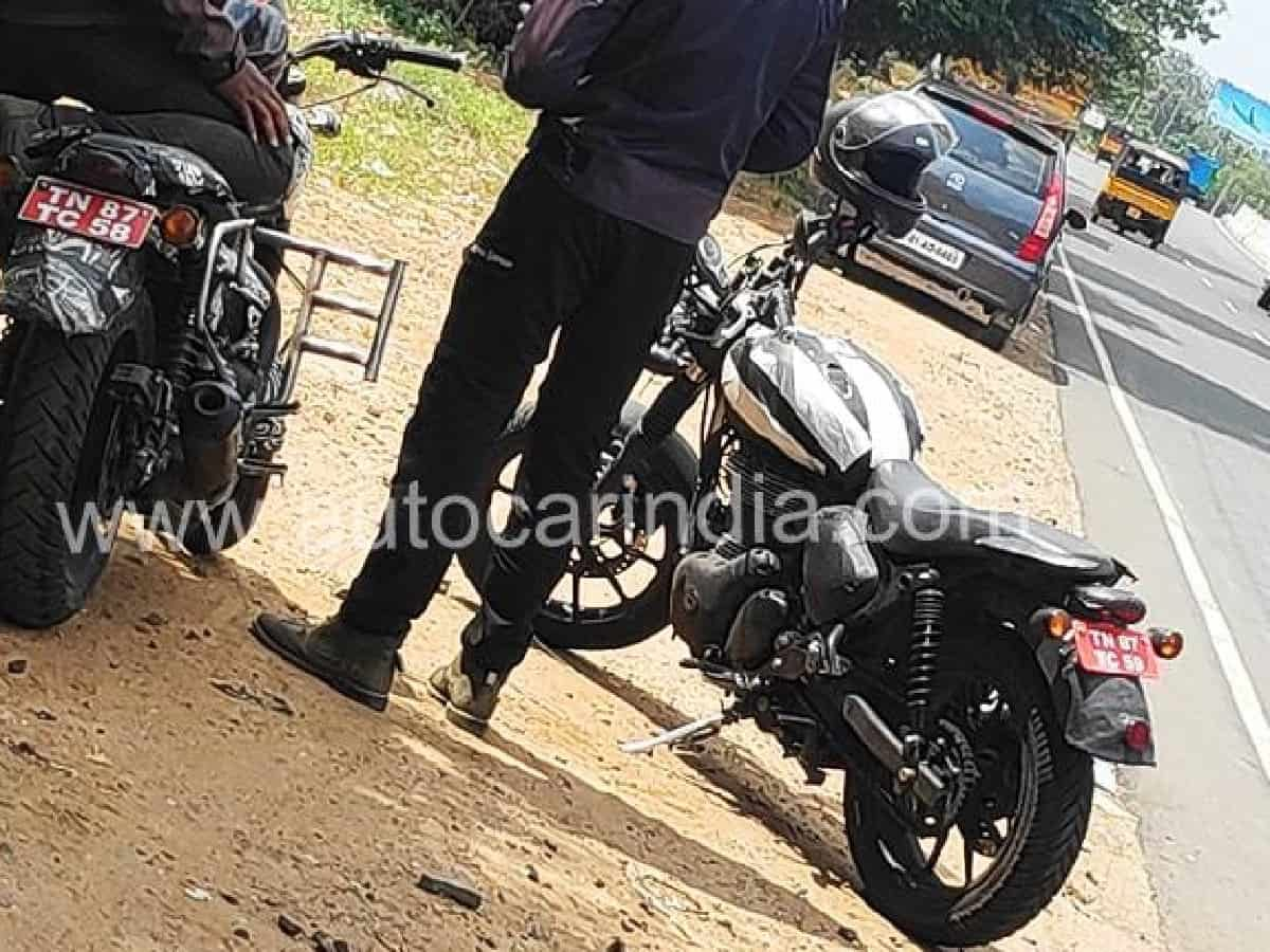 A New Royal Enfield Bike Spotted – New Thunderbird or Hunter?