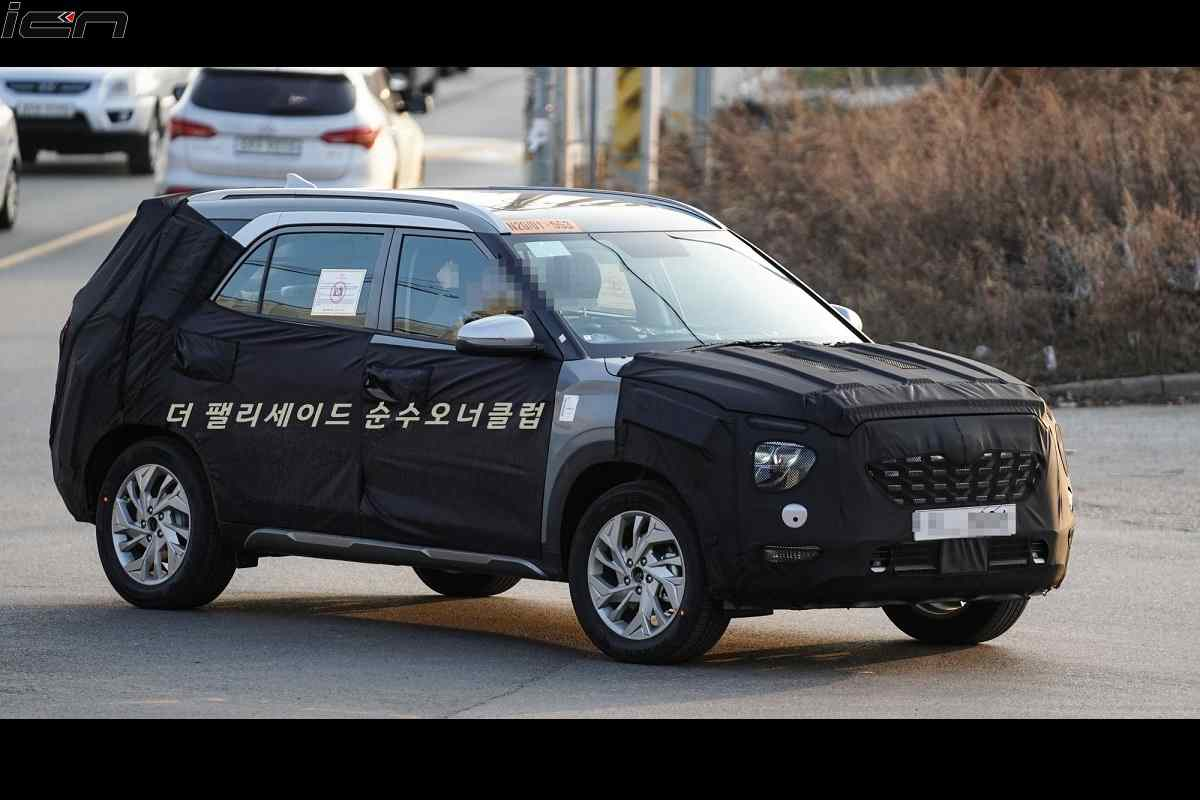 Long-Wheelbase Hyundai Creta with 7-Seat Spied Again