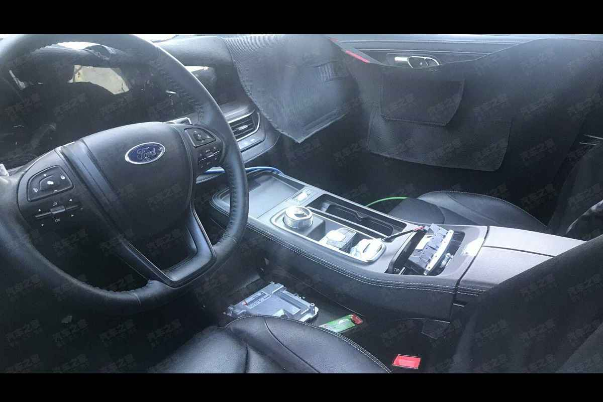 Ford Endeavour 2021 Interior Spied