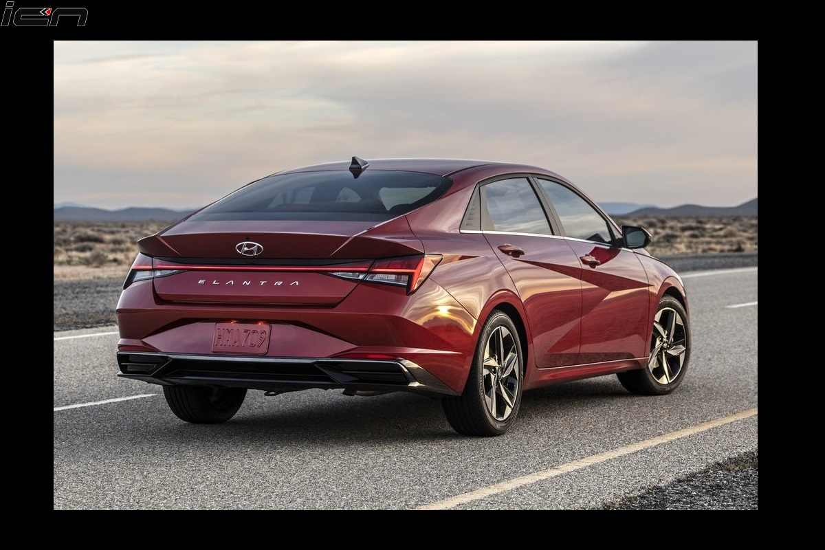 Hyundai Elantra 2021 Features