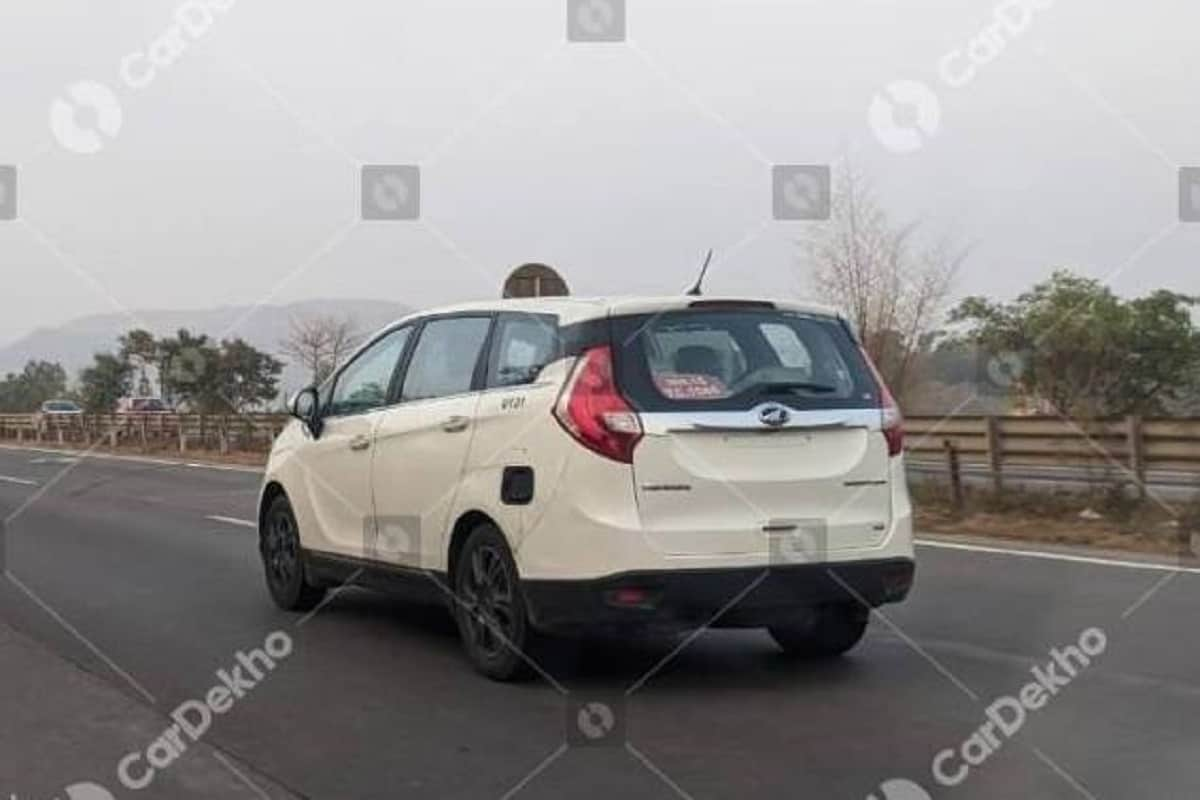 Mahindra Marazzo Petrol Spotted For the First Time; Launch Soon