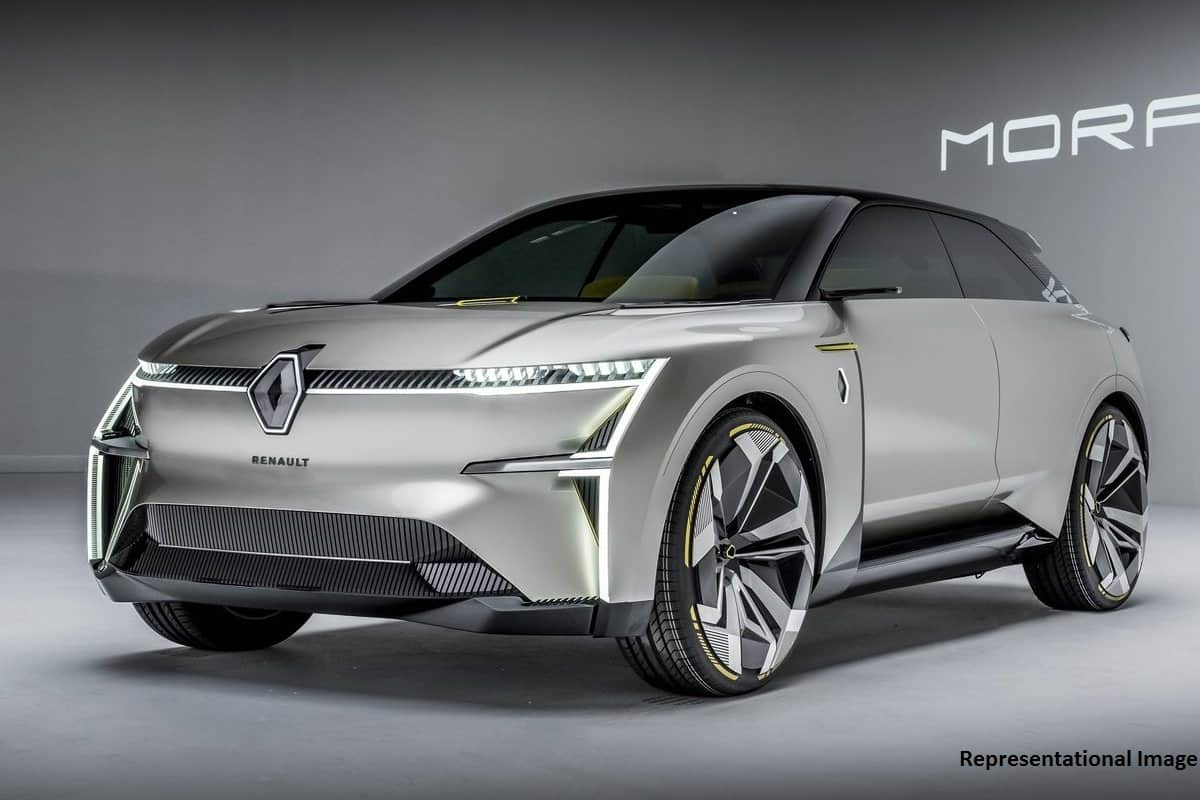 Renault Electric Crossover To Deliver 600km Range; Debut in 2021
