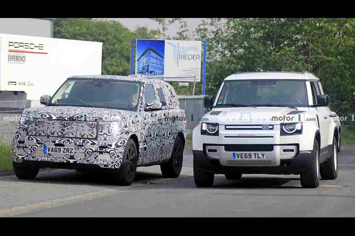 Next-gen Range Rover Vogue Spied