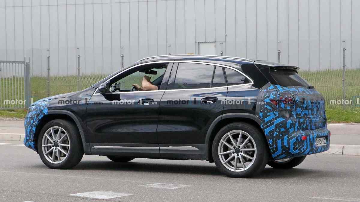 2021 Mercedes EQA Spied side
