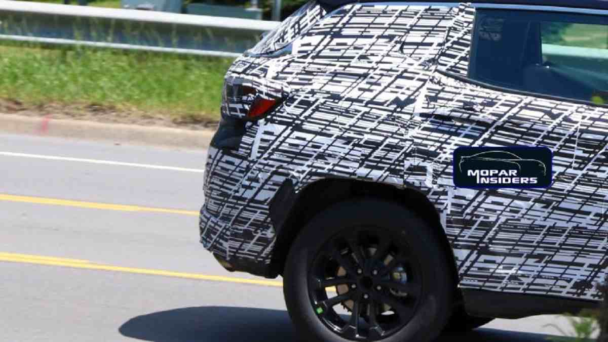 Compass facelift spied rear