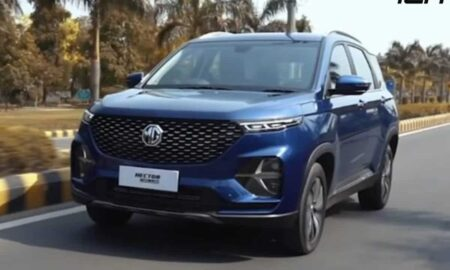 MG Hector Plus Hands Free Tailgate
