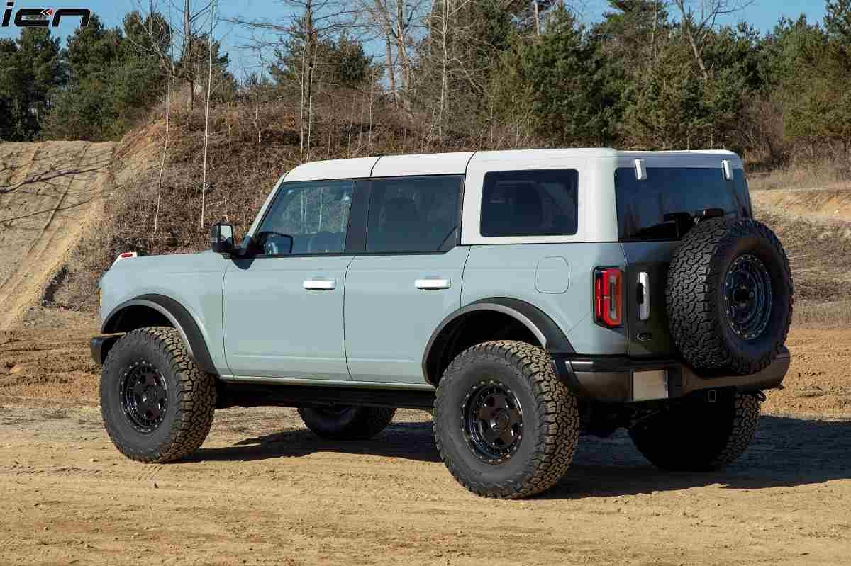 Ford Bronco 4-Door Rear