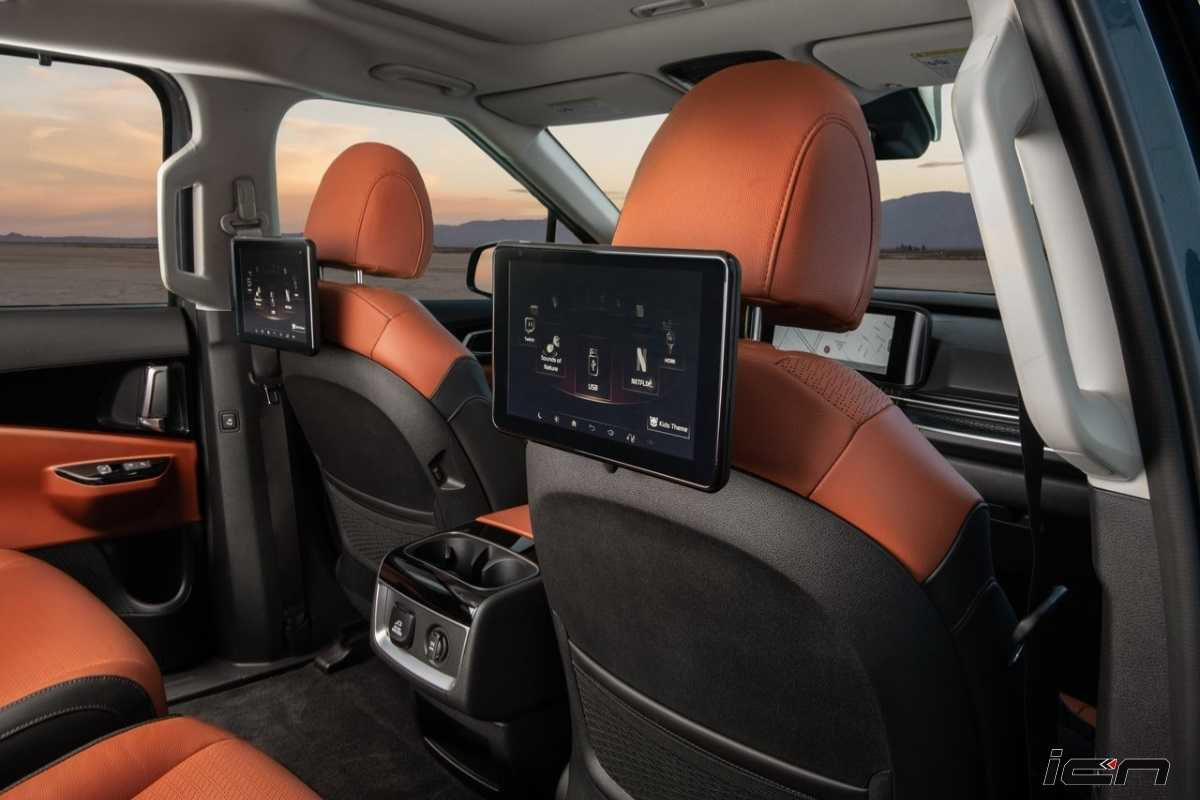 2022 Kia Carnival Rear Entertainment