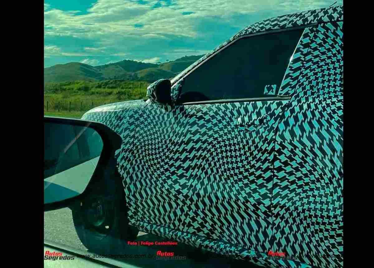 Citroen C3 Sporty Side Spied